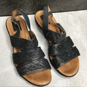 Clarks Artisan Leather Sandals 9M Navy Blue